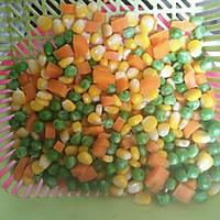 豌豆玉米炒腊肠的做法图解4