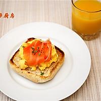 曼步厨房 - 快手早餐 - 烟熏三文鱼鸡蛋三明治的做法图解13