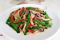 姬菇拌韭菜的做法
