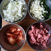 辣白菜火腿炒饭的做法图解2