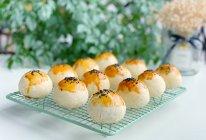 #鲜到鲜得,月满中秋,沉鱼落宴#层次分明蛋黄酥的做法