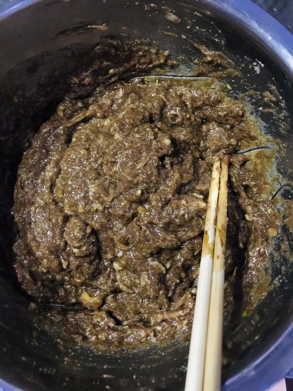 汤汁浓郁的牛肉馅的做法