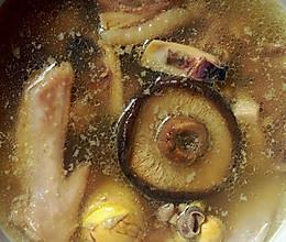 墨鱼香菇老鸡汤的做法