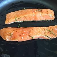 迷迭香煎三文鱼#宜家让家更有味#的做法图解5