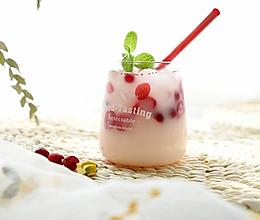 """#""""莓""""好春光日志#蔓越莓冰饮的做法"""