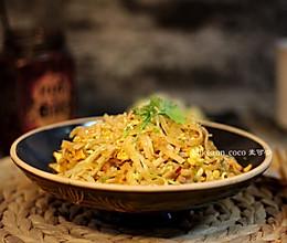 #甜粽VS咸粽,你是哪一党?#熏肉炒饼的做法