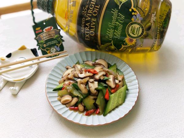 腊肉炒香菇青瓜的做法