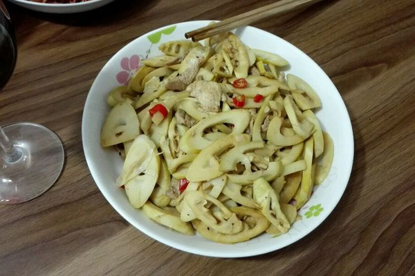 辣炒春笋肉片