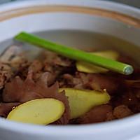 这道汤鲜味美的鸡汤,只因加了它#猴头菇炖鸡汤}的做法图解3