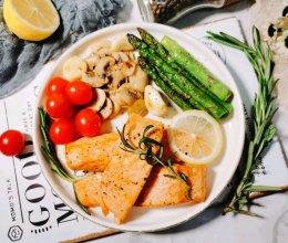 #餐桌上的春日限定#香煎三文鱼的做法