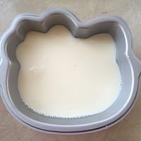 hello kitty蜜豆牛奶冻的做法图解6