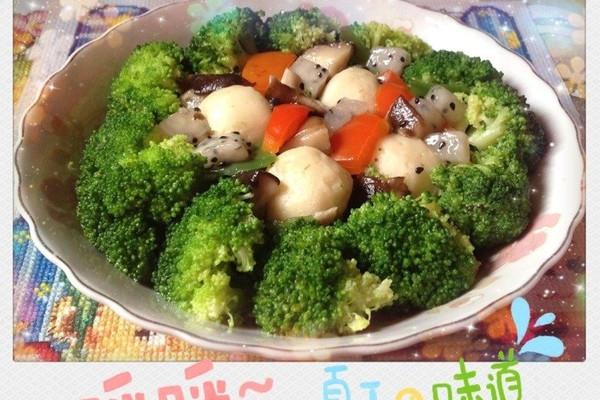 夏季火龙果炒鱼丸的做法