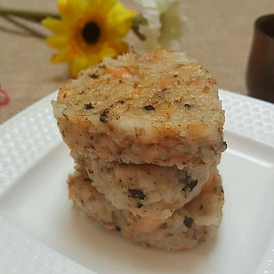 三文鱼肉松烤饭团