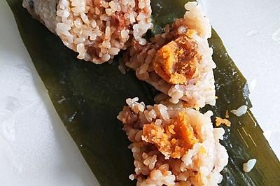 鸡腿香菇咸蛋黄粽子