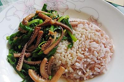 【耘尚哈尼梯田红米试用报告】鲜韭鱿鱼须盖浇饭