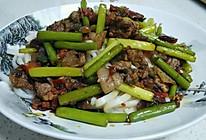 蒜苔肉拌面的做法