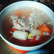 萝卜山药筒子骨汤