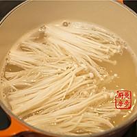 【曼步厨房】沙茶牛肉煲的做法图解2
