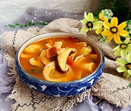 #快手又营养,我家的冬日必备菜品#冬日暖阳的蘑菇汤的做法
