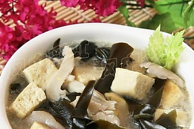 海带豆腐汤