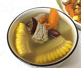 雪莲果玉米排骨汤的做法