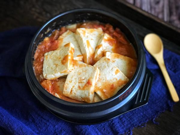 西红柿豆腐炖锅的做法