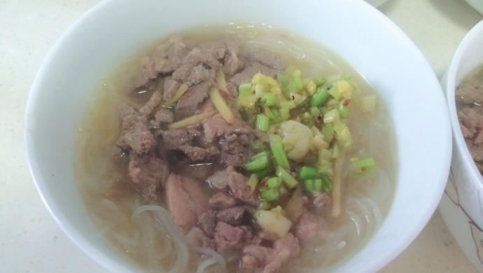 猪肝瘦肉汤米粉