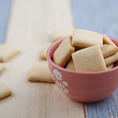 牛奶方块小饼干(烤箱做饼干)