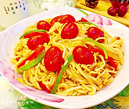 #我们约饭吧#诱惑你的眼,挑逗我的胃-番茄金针菇炒米粉的做法