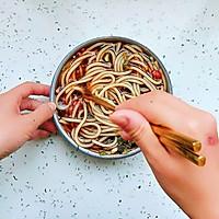 #宅家厨艺 全面来电#家庭版酸辣米线的做法图解4