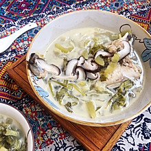 #花10分钟,做一道菜!#潮州咸酸菜香菇滚海鲈