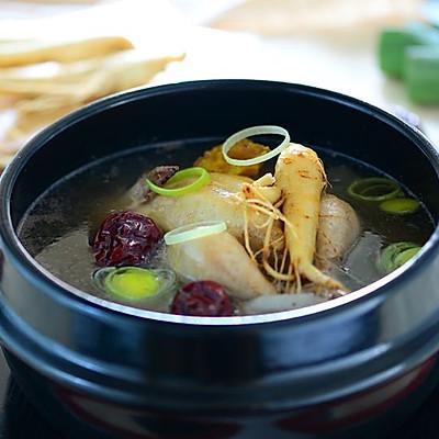 冬进补养生-韩式人参鸡汤