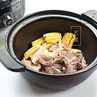 夏季长个高-牛骨响螺玉米汤的做法图解2