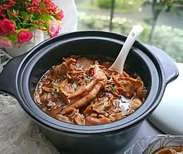笋干鸭肉煲的做法