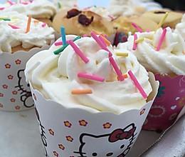 奶油纸杯蛋糕的做法