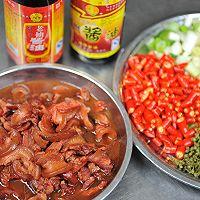 山东辣椒炒肉的做法图解1