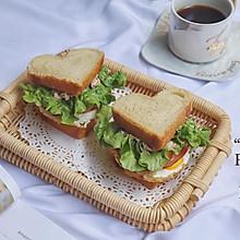 #花10分钟,做一道菜!#吞拿鱼火腿三明治