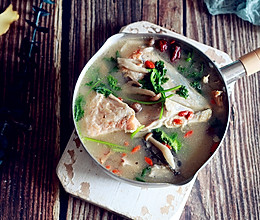 三文鱼鱼头汤#今天吃什么#的做法