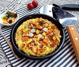 康师傅鲜虾鱼板火腿鸡蛋面饼#小虾创意料理#的做法