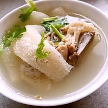 竹荪脊骨汤