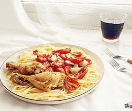 香蒜番茄烤鸡腿的做法