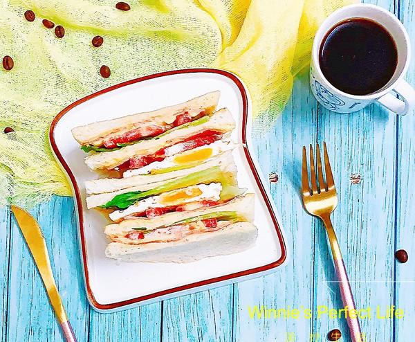 #一人一道拿手菜# 培根三明治的做法