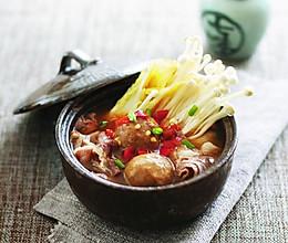 肥牛丸子蔬菜煲的做法