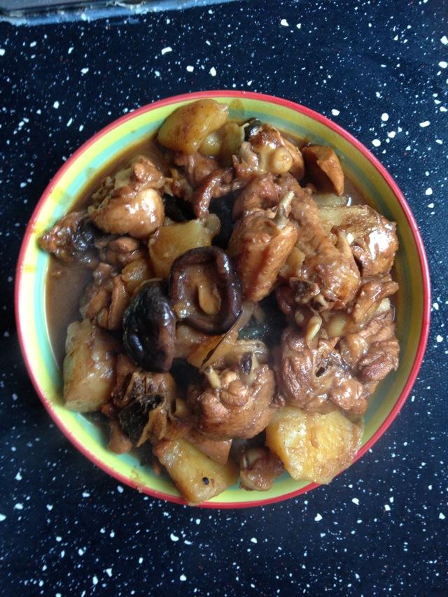 无敌鸡翅炖土豆香菇
