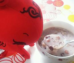 红豆薏仁银耳牛奶的做法