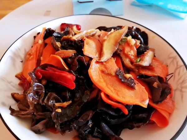 全素营养餐香菇木耳胡萝卜的做法