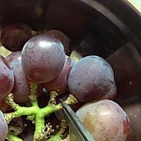 快速洗净葡萄的妙招的做法图解2