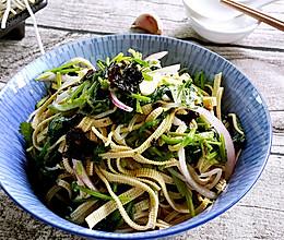素食主义——菠菜拌豆皮的做法