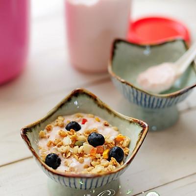 早餐酸奶水果麦片