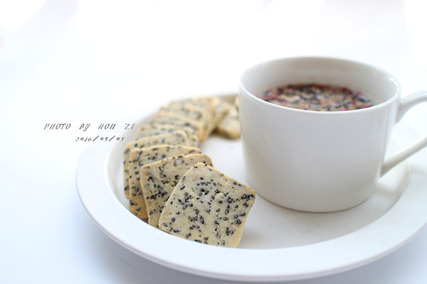 黑芝麻饼干#美的烤箱菜谱#的做法